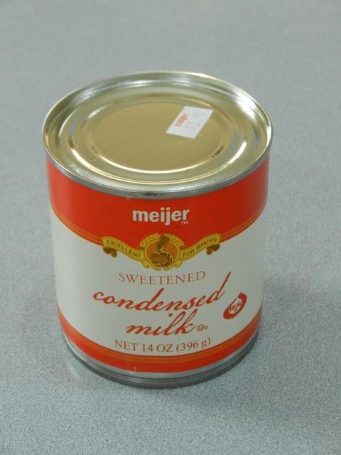 Sweetened condensed milk in can