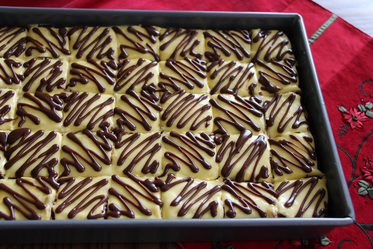 Suksess kake, adding chocolate for fun. Recipe. IKEA almond cake, picture tutorial.