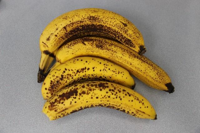 Banana bread ingredients, ripe bananas