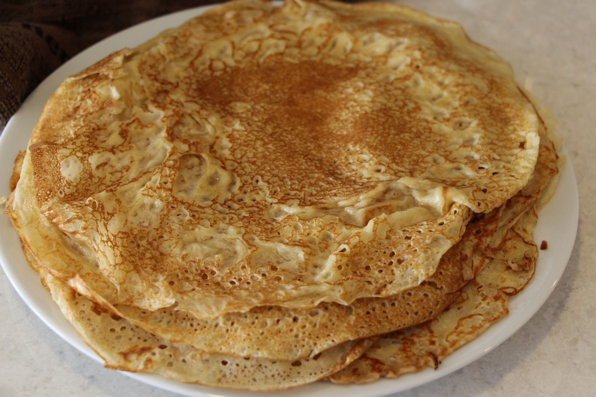 Authentic traditional norwegian pancakes recipe pictures the country basket - Norwegian cuisine recipes ...