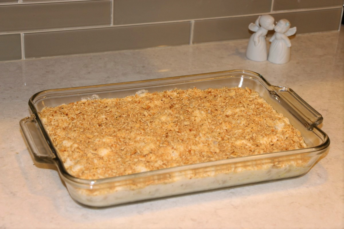 Norwegian fiskegrateng, fish and macaroni au gratin casserole. Authentic recipe and how-to pictures.