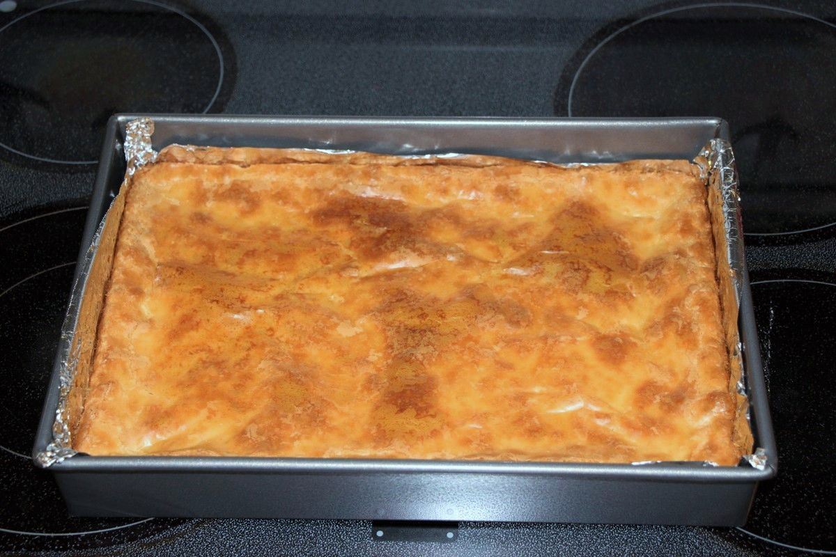 Cream Cheese Squares recipe. Super sticky and gooey, SO yummy!